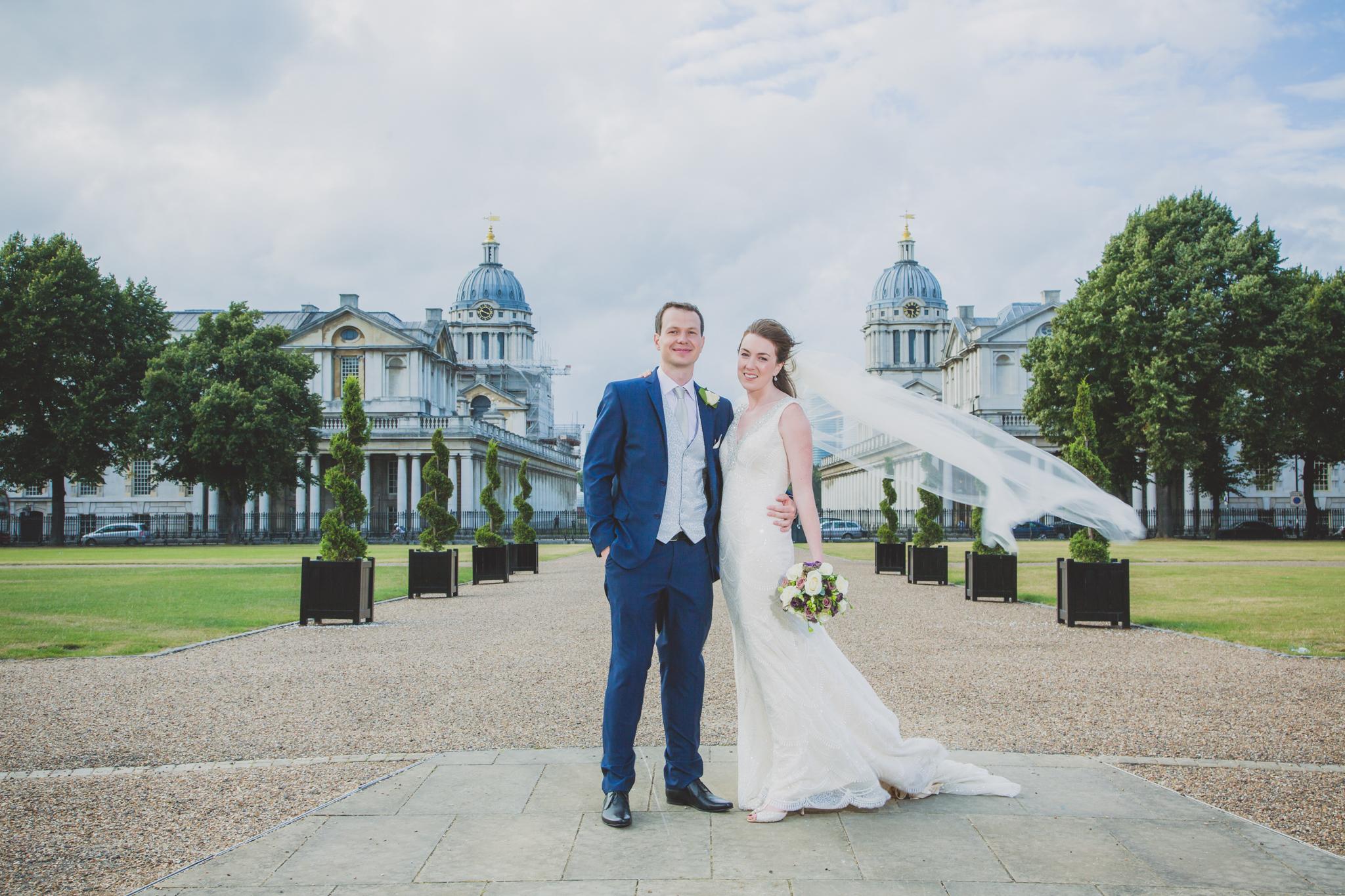 St. Alfege Chuch: Poppy & Alex Wedding Photoshoot