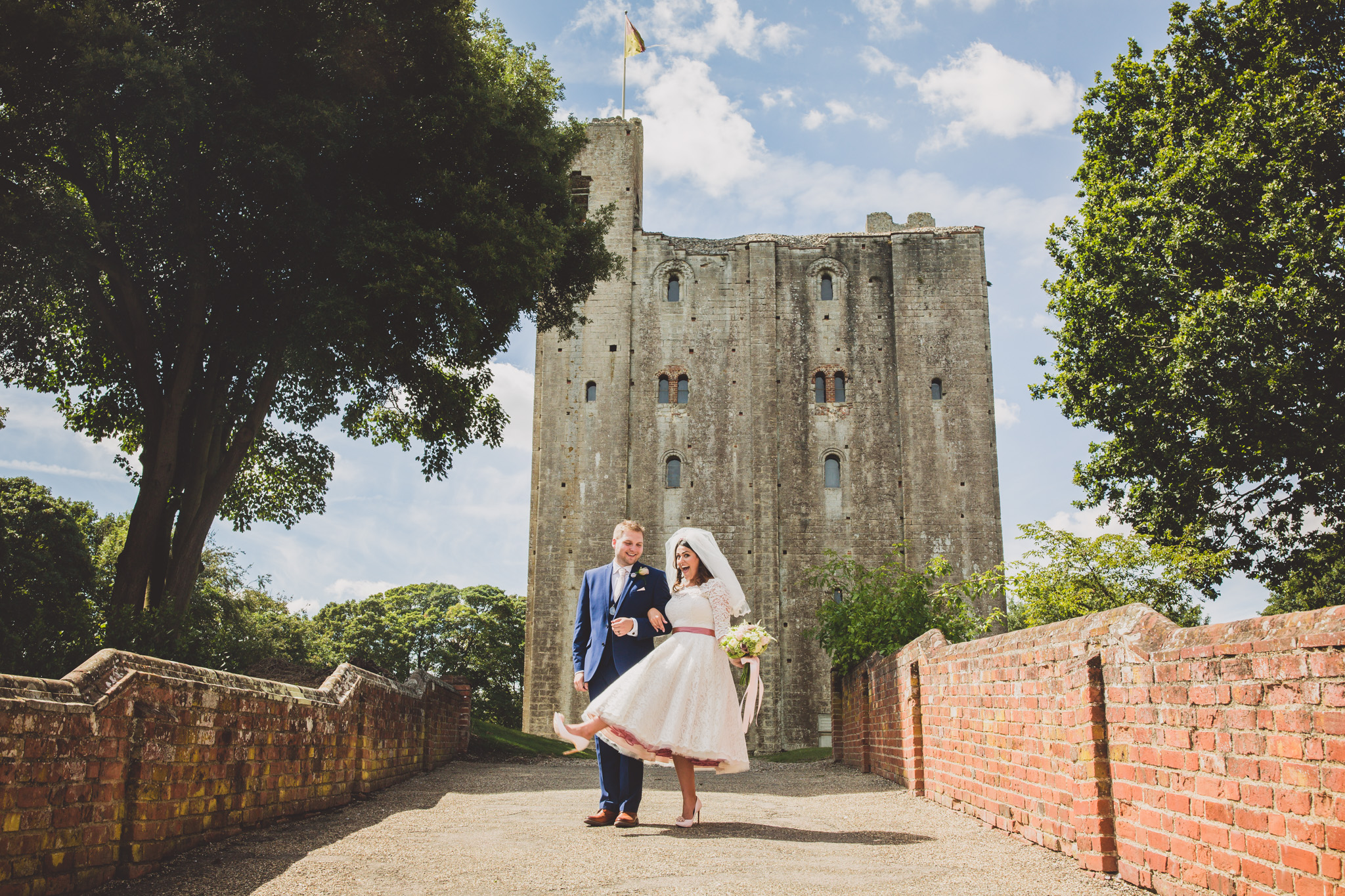 Hedingham Castle: Chantelle and George wedding photography