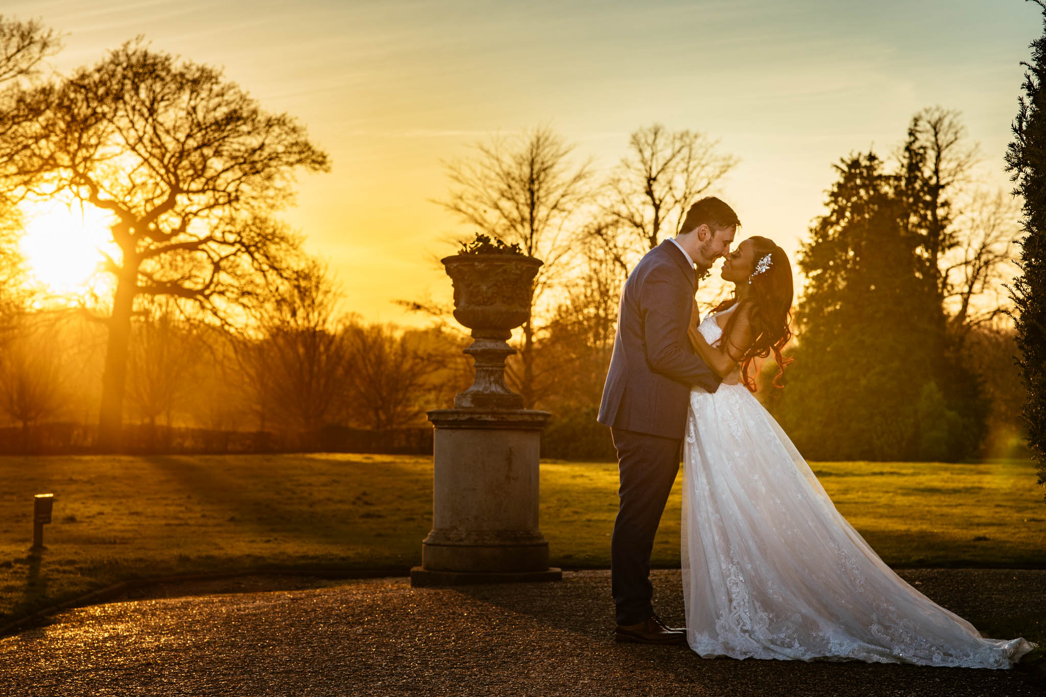 Nonsuch mansion & St Lawrence Church : Desri & Ross Wedding photos