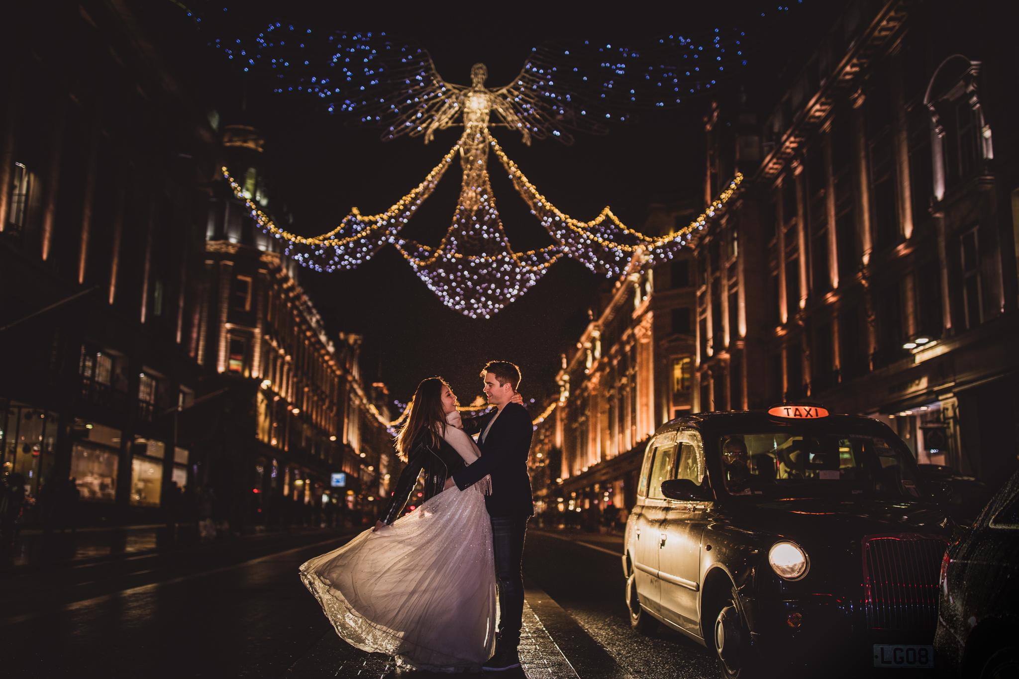 London Christmas: Francesca & Gavin Engagment Photoshoot